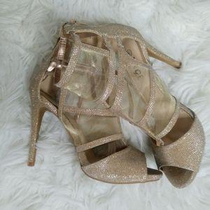 Rouge Ladies 8.5 Heels